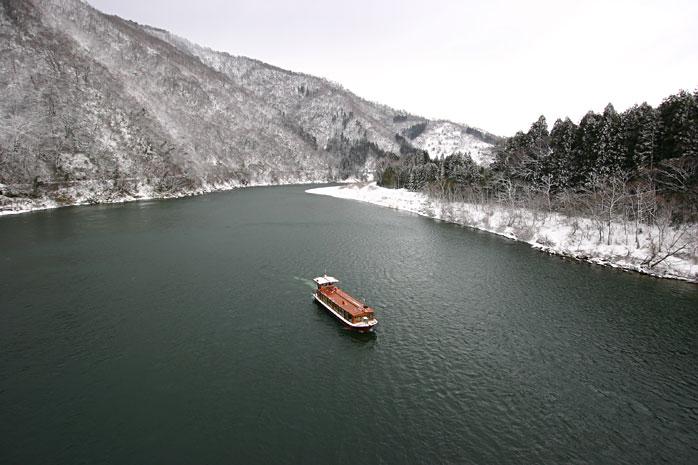 阿賀野川ライン舟下り 冬・船か...